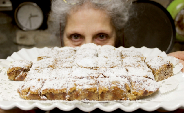 Crispy apple cake