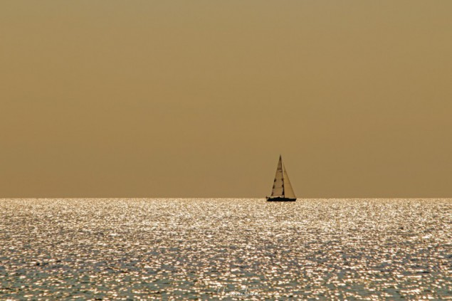 Sunset sailing boat - Beach impressions