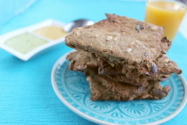 yummy flaxseed cracker
