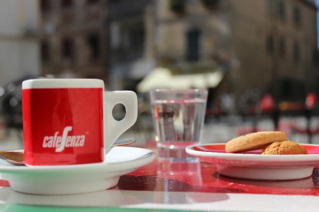 Espresso time at Castiglione sul Lago, Umbria, Italy
