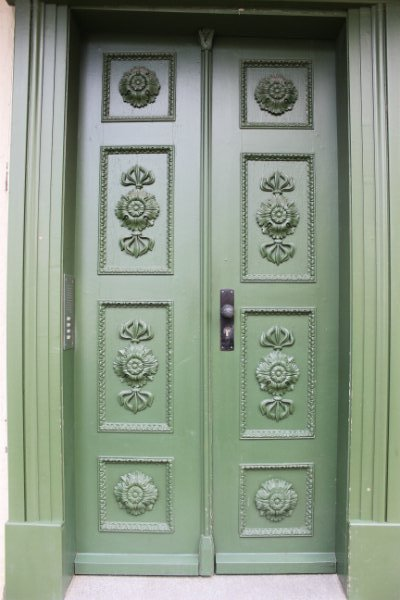 Green door in Schwerin, Germany