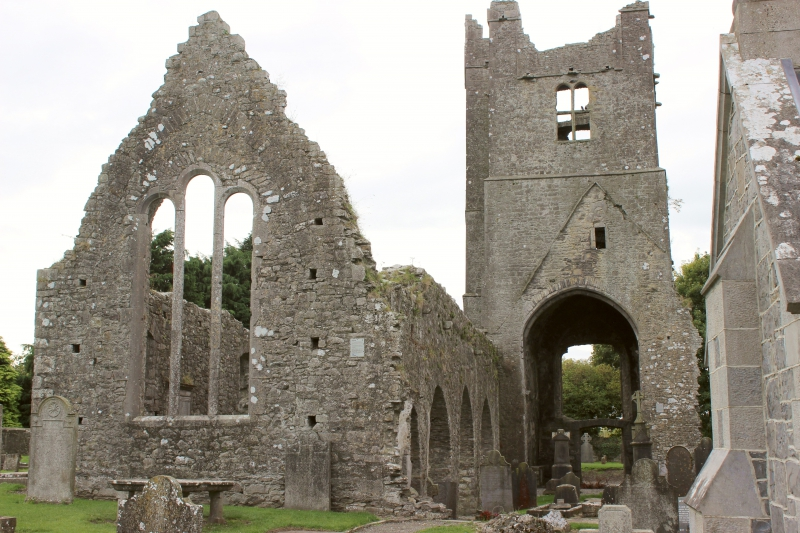 Ireland Stone Building : The oldest stone church of ireland crumbs on travel
