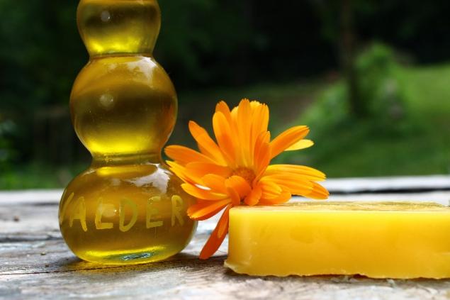 Oil, bee wax, calendola, Erbe delle Streghe, 24th June, Val d'Erica