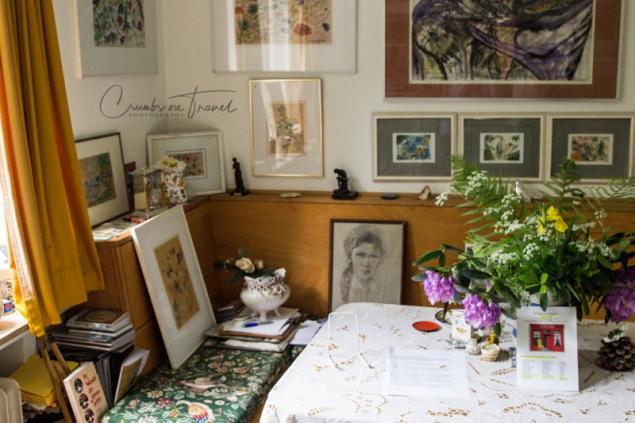 Visiting the artist Christa Wächtler