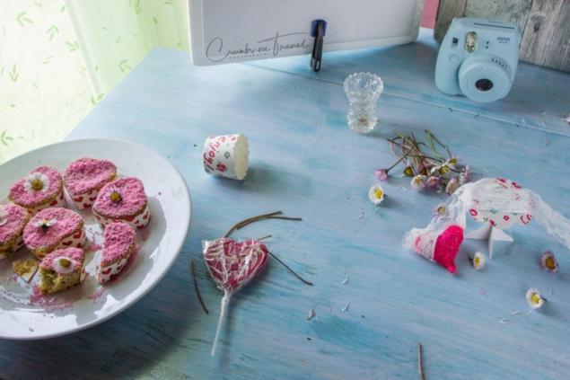 lemon poppy seeds muffins set-up