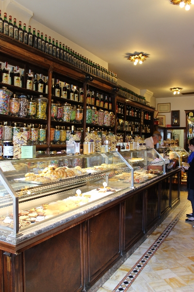 A pasticceria in Lucca, Tuscany