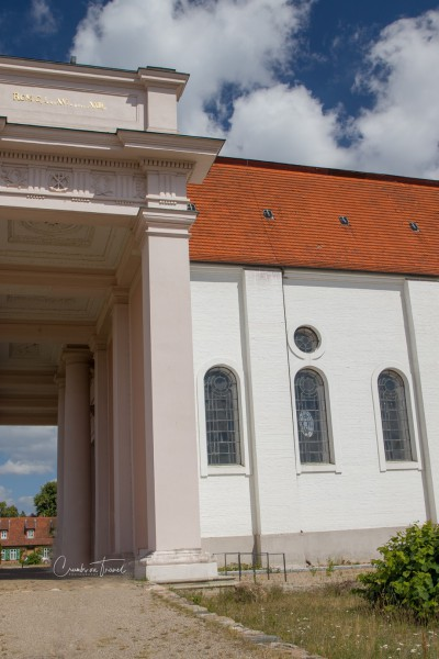 The church of Ludwigslust in front of the palace
