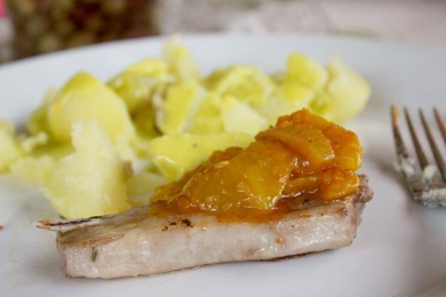 Seabuckthorn mango chutney with lamb