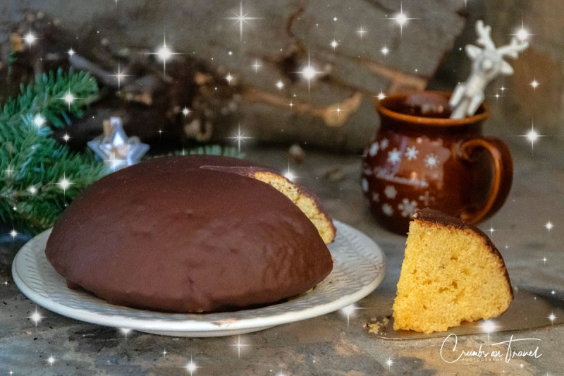 Parrozzo - a typical Christmas cake from Abruzzo/Italy