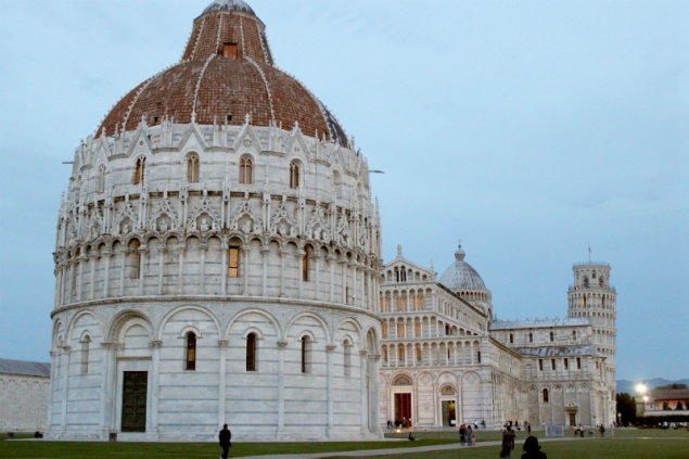 Sights in the Square of Miracles, Pisa