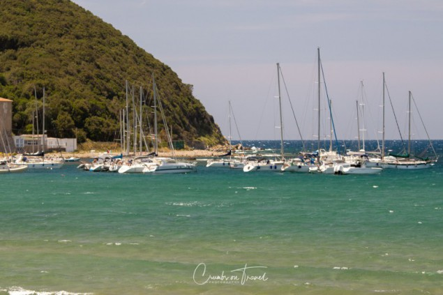 The beach at the foot of the hill of Populonia