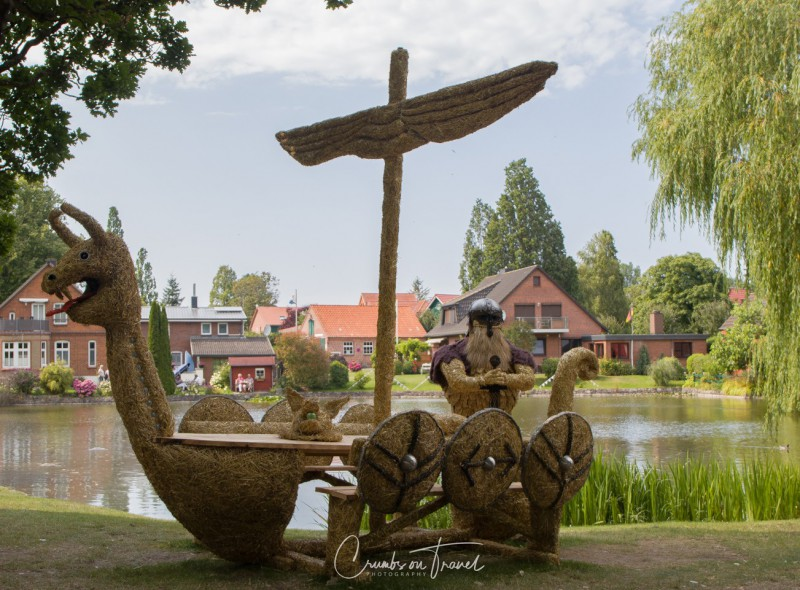Stakendorf: Viking - Strawfigures at the Probsteier Grain Days