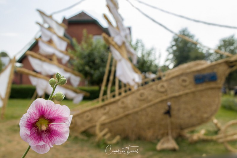 Bendfeld: Gorch Fock - Strawfigures at the Probsteier Grain Days