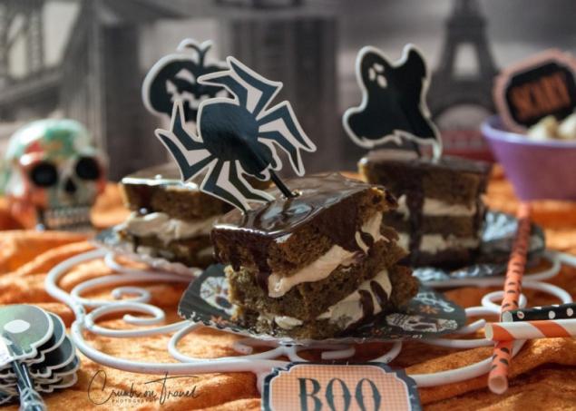 Pumpkin Spice Cake for Halloween