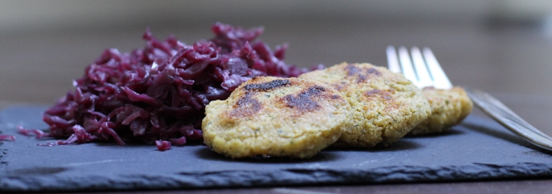 Red cabbage and Falafel