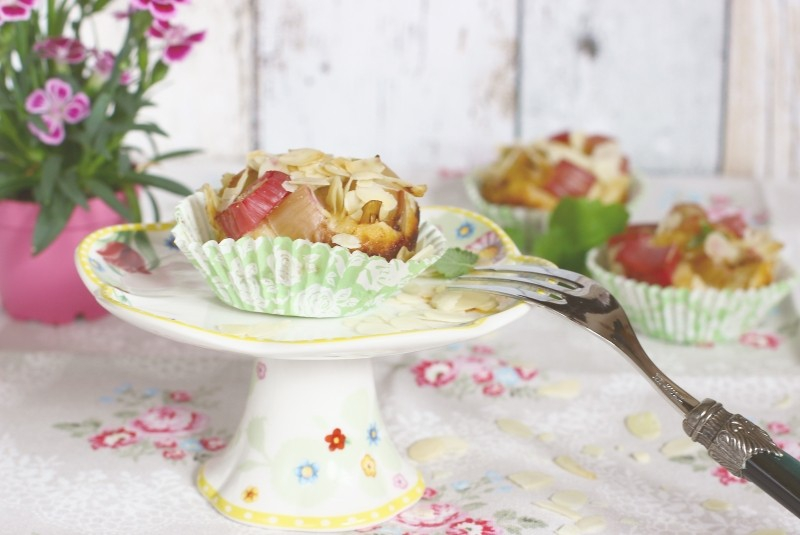 Rhubarb muffin, gluten-free