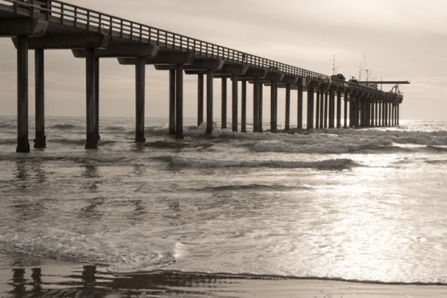 Sunset at Scripps Pier in San Diego