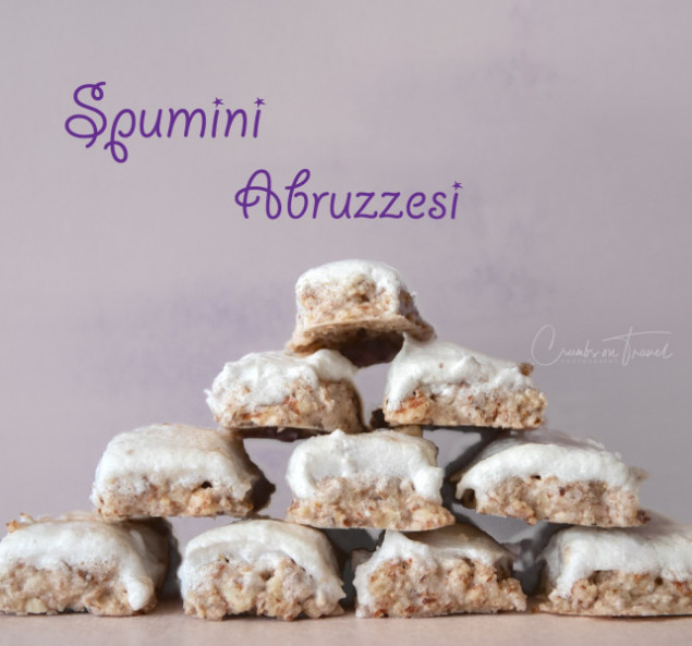 Spumini Abruzzesi - almond cookies