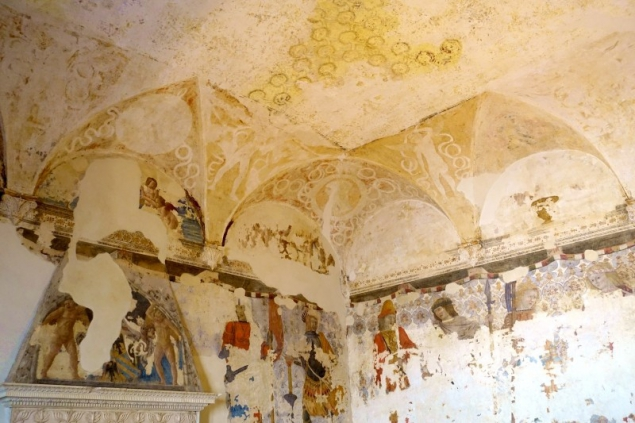 Painted wall and ceiling at the Palazzo Ducale of Urbino, Le Marche/Italy