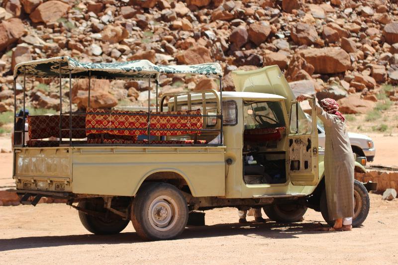 Jeep, Wadi Rum, Jordan