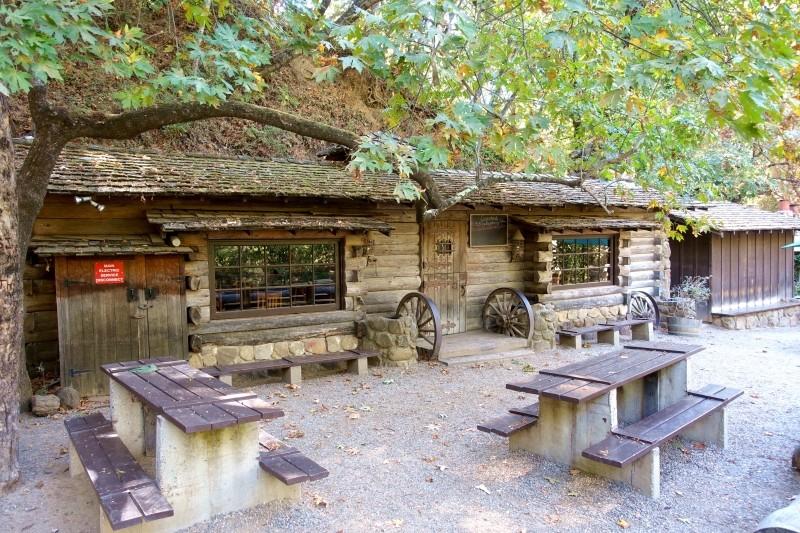Cold Springs Taverne, Santa Barbara Mountains, California/USA