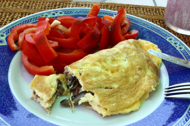 Omlette with mushrooms and onions and fresh peppers
