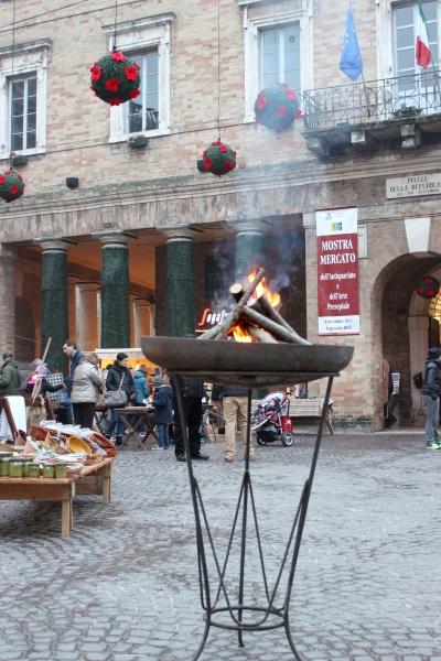 Open fire, Urbino, Italy